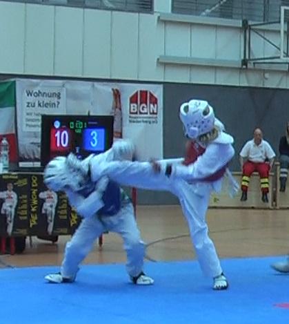 Leonhard Prusko holt Gold in Velbert – Alle anderen SPORTING Taekwondo Sportler erreichen Bronze