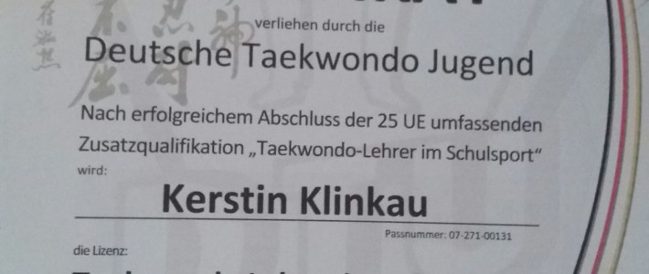 "Kerstin Klinkau von SPORTING Taekwondo erwirbt Lizenz ""Taekwondo Lehrer im Schulsport"""