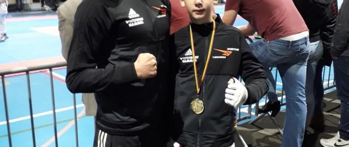 Maxim Becker erkämpft Goldmedaille in Belgien