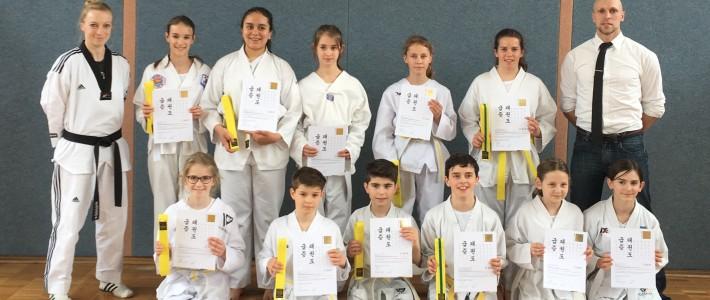 11  Taekwondo-AG-Sportler der Taunusschule Bad Camberg bestehen Gürtelprüfung erfolgreich